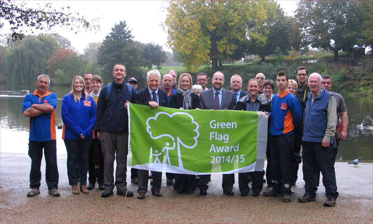 Mote Park Fellowship & Maidstone Borough                     Council the receiving Green Flag award in October 2014